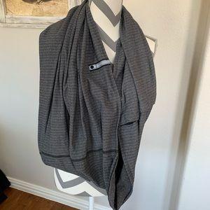 Lululemon Women's Gray Wrap Infinity Scarf